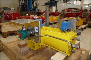 rotary actuator / pneumatic / single-acting / quarter-turn