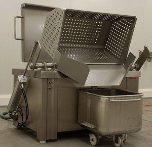 steam cooker / for the food industry / continuous / with mixer